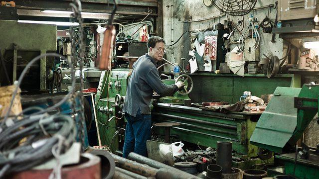 image illustrating precarious employment